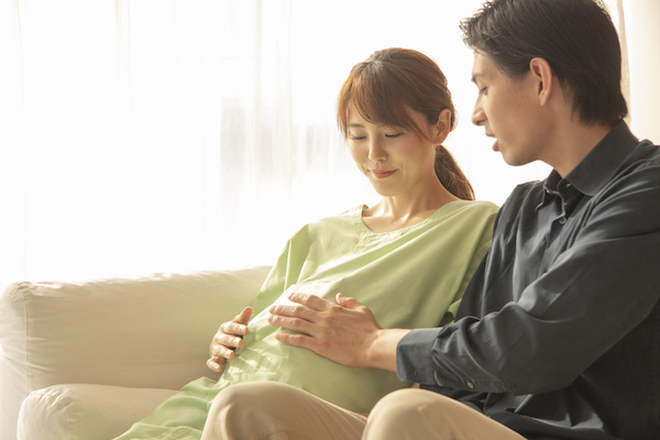 出会い系アプリで出会った妊婦と男