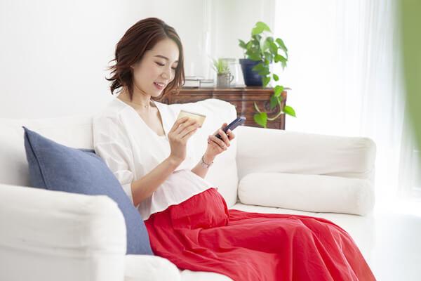 出会い系アプリを使う妊婦